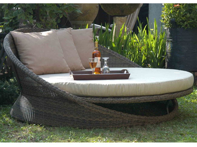 (1)saturndaybed