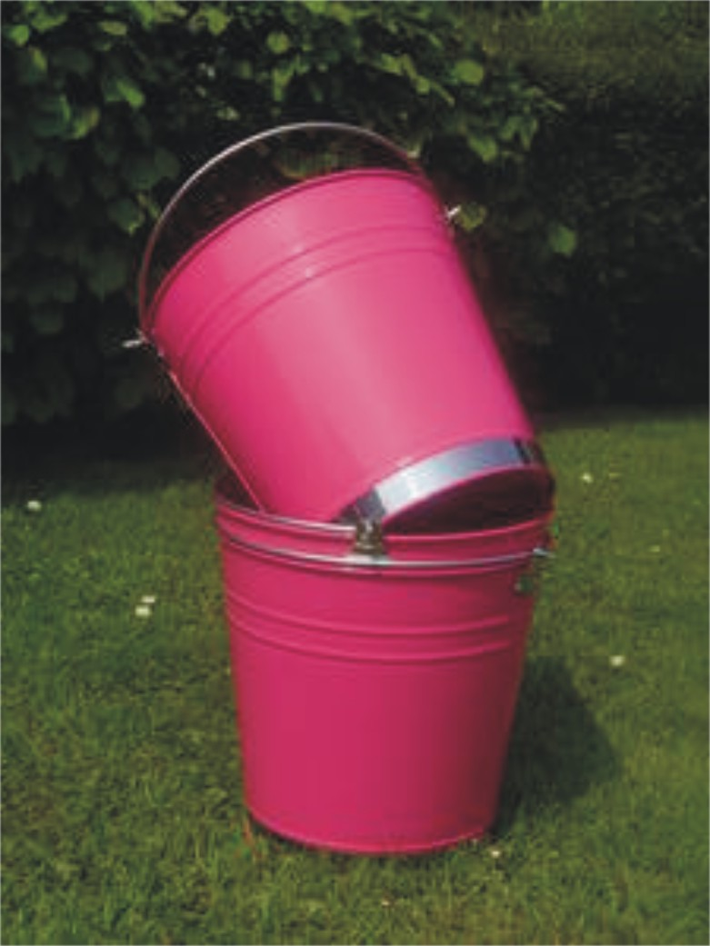 A_pink_bucket
